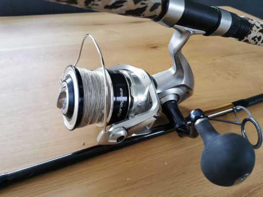 Pêche-du-thon-au-leurre