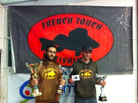 Etienne et son ami Raphaël sur le podium de l'Open Street CARNOKILL de Mantes-la-Jolie