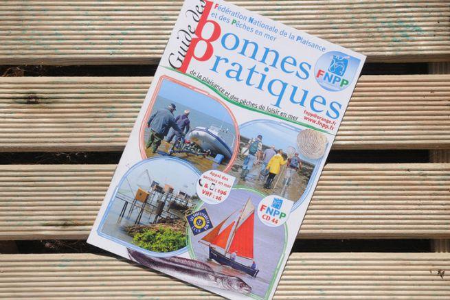 Ce petit guide est très utile pour la navigation et la pêche en mer.
